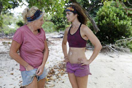 Kate Campbell talks to Sue Clarke in a scene from Australian Survivor.