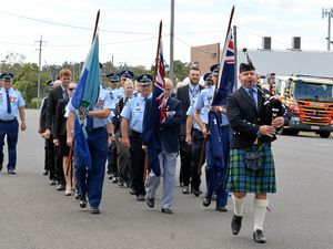 Community gathers to remember the fallen