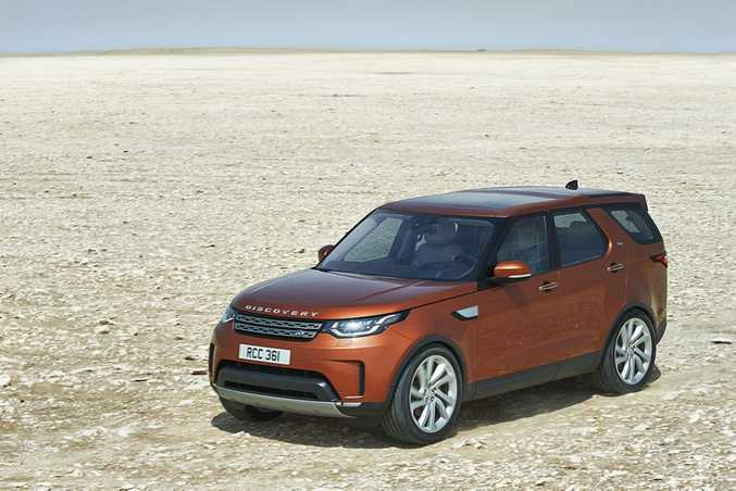 2017 Land Rover Discovery has been revealed in Paris