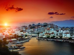 Which Greek Island suits your travel style?