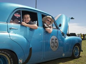 Thousands turn out to view classics on All Holden Day