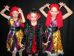 Toe-tapping dancers kick off 70th eisteddfod