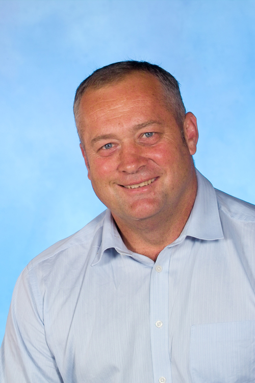 Much loved teacher Phill Higgins has passed away after a long battle with illness.