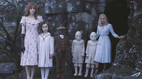 Lauren McCrostie, Pixie Davies, Cameron King, twins Thomas and Joseph Odwell and Ella Purnell in a scene from Miss Peregrine's Home for Peculiar Children.