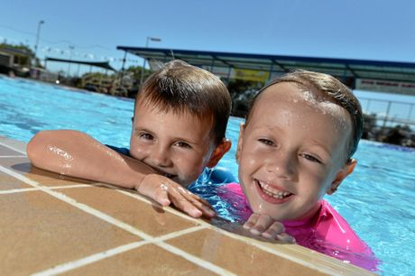 Atlas 5, and Jetta, 6, St Johns. SOCIALS: Out and about cooling off from the hot weather at Gympie Memorial Pool. January 12, 2016.Photo Patrick Woods / Gympie Times