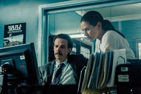Noah Taylor and Yael Stone in a scene from the TV series Deep Water.