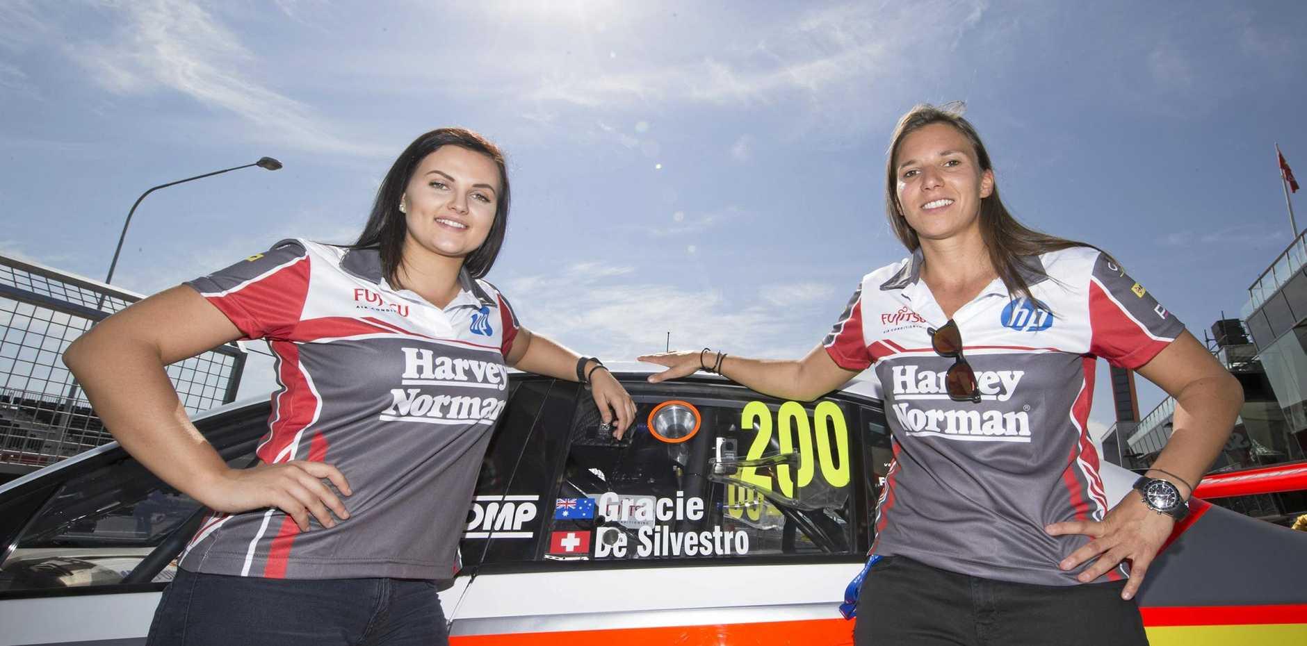 Simona De Silvestro and Renee Gracie ahead of last year's Bathurst 1000.