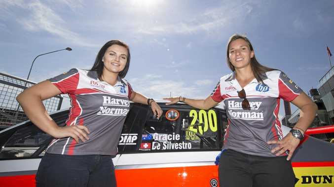 Simona De Silvestro and Renee Gracie ahead of last year's Bathurst 1000.