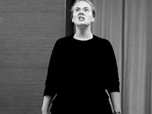 Adele shares hilarious workout picture