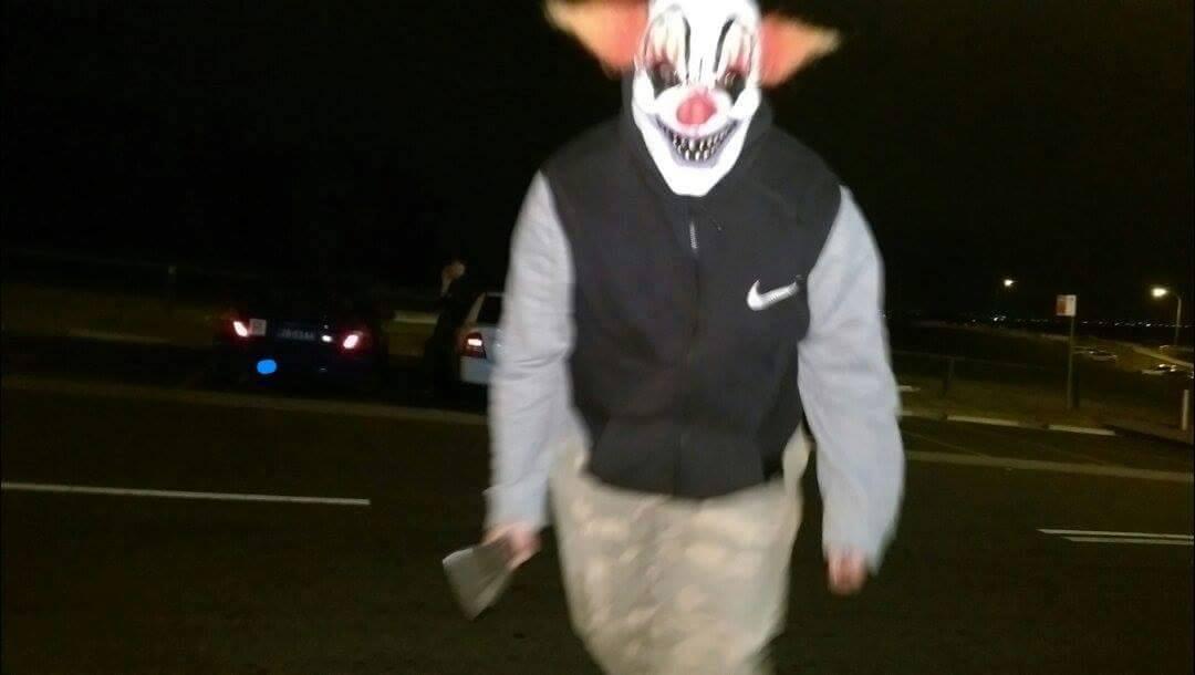 CLOWN FEARS: Clown allegedly armed with a machete-like knife.