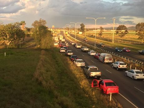 Cars are backed up after a crash on the Warrego Hwy. Photo Win News Toowoomba