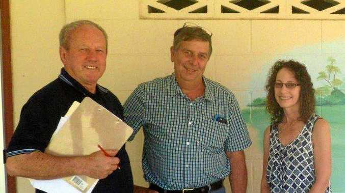 CONCERNS: Meeting chairman Chris Lhotka (left) with Cr Hilary Smerdon and Gympie Regional Council's Director of Planning and Development Gina Vereker.