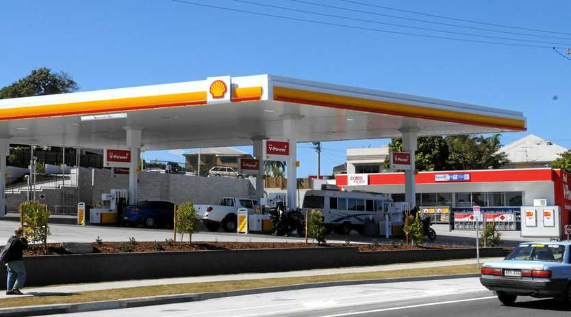 Police believe a man from the Ipswich area was involved in the robbery of a Tewantin service station.