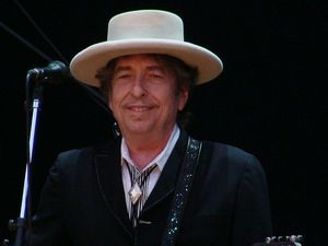 """""""Poetry for the ear"""": Bob Dylan wins Nobel Prize"""