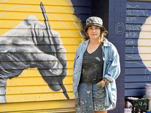 Artist returns to leave mark on Toowoomba college
