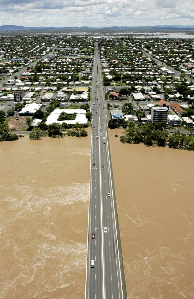 Neville Hewitt bridge.  View from chopper during Fitzroy River in flood.      Photo Sharyn O'Neill / The Morning Bulletin   ROK7111cho-S10