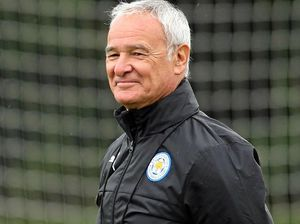 Ranieri defends struggling Leicester players