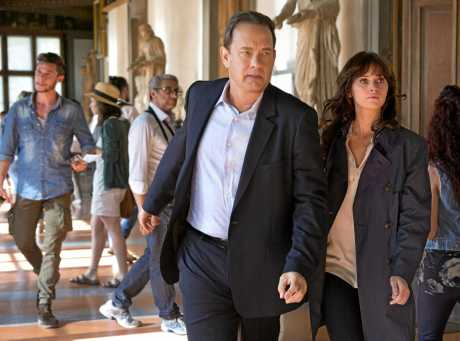 Tom Hanks and Felicity Jones in a scene from the movie Inferno.