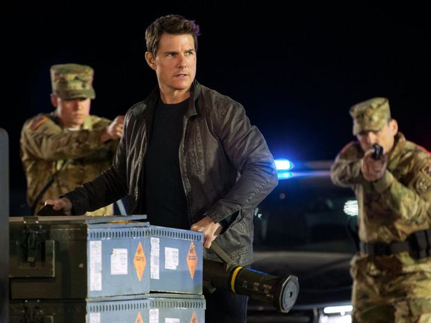 Tom Cruise in a scene from the movie Jack Reacher: Never Go Back.