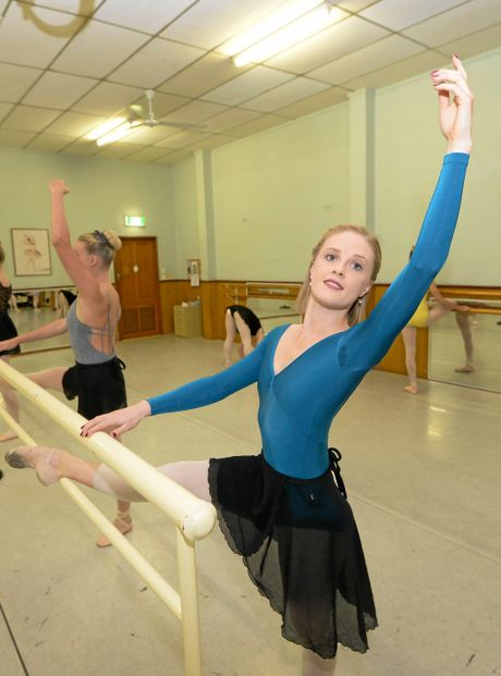 ELEGANCE ON STAGE: Tamara Hanton from Queensland Ballet conducting a workshop at Beverley Prange Dance Centre in Rockhampton. LEFT: Tamara demonstrates technique to Taliah Edwards.