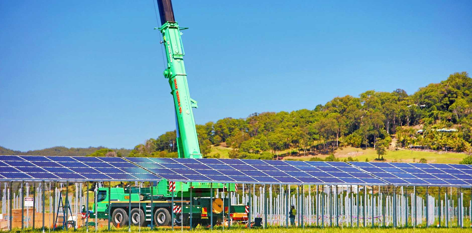 The first solar panels have been positioned at the Sunshine Coast Solar Farm, Valdora.