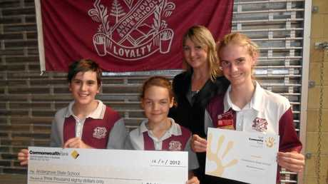GRANTS: The Commonwealth Bank has awarded Andergrove State School a grant of $3,080 to go towards a new garden area for students.  Students Daniel Minter, Lana Campbell and Rachael Hussey accepted the cheque from Elizabeth Geisler from the Mackay Branch  Photo contributed