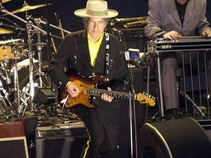 Bob Dylan slammed as 'arrogant' for Nobel silence