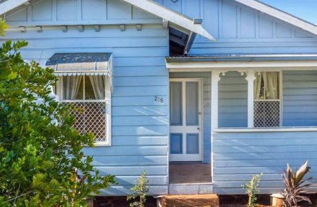 215 South Street South Toowoomba Qld 4350 is for sale.