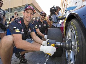 Van Gisbergen will be hard to chase down, admits Whincup