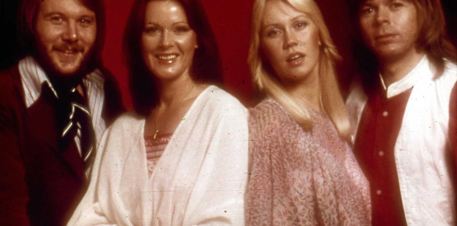 Benny Anderson, Annifrid Lyngstad, Agnetha Faltskog, and Bjorn Ulvaeus in 1977.