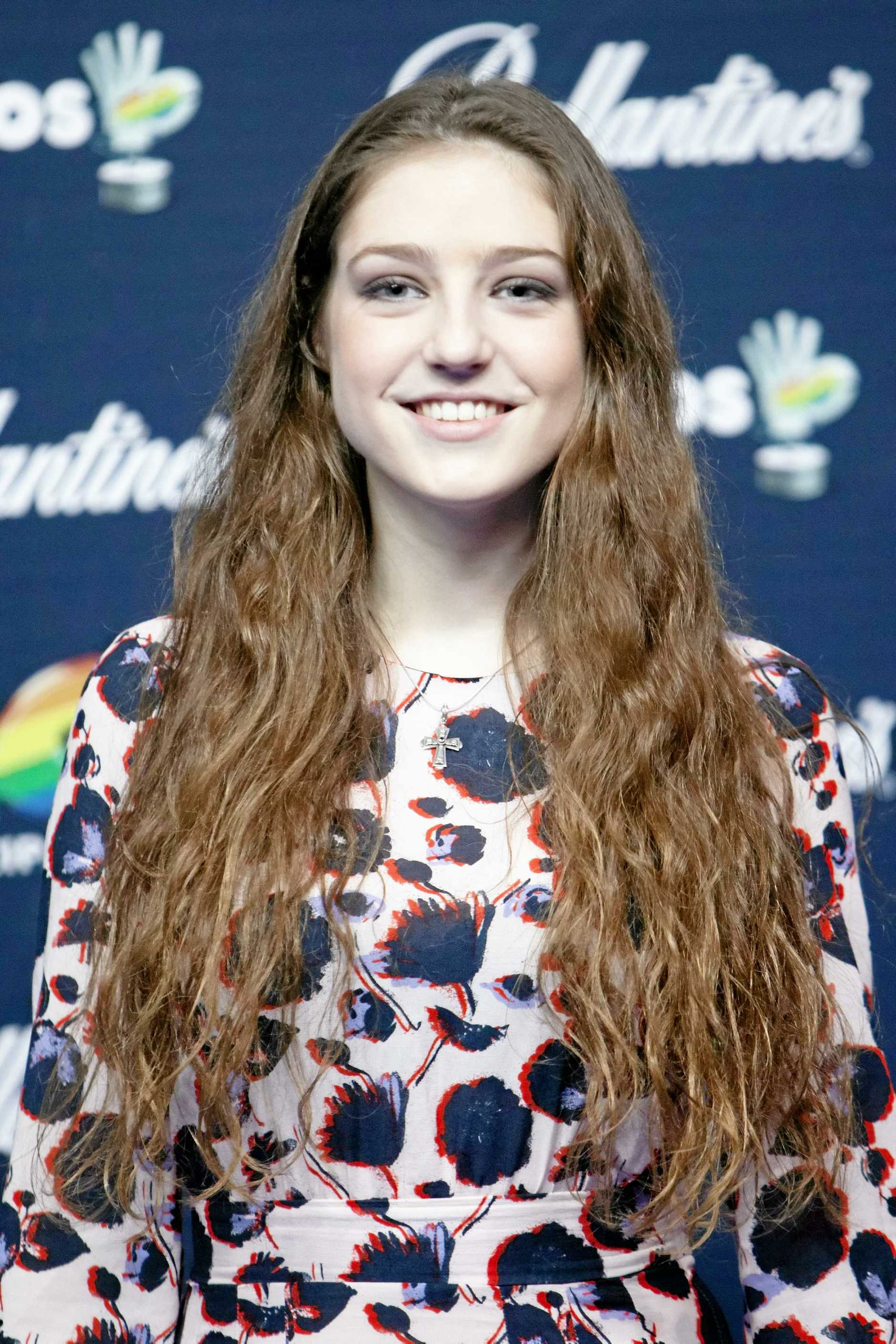 English singer Birdy proves her skill during a recent concert.
