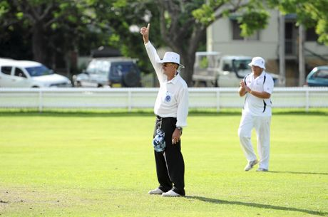 Umpire Bruce Baxter awards a dismissal during a GDSC Premier League game at Ellem Oval. Photo JoJo Newby / The Daily Examiner