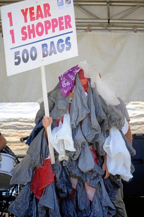 Get rid of the plastic shopping bags. Photo: Warren Lynam / Sunshine Coast Daily