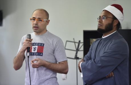 Mahmoud el Bably (left) and Imam Abdul Kadir
