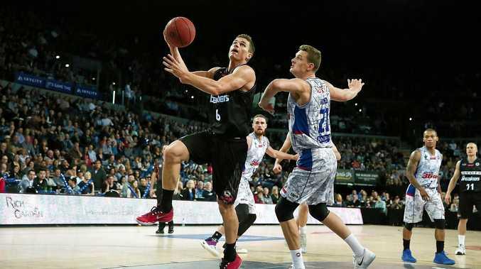 Kirk Penney of New Zealand goes up against Daniel Johnson of Adelaide.
