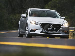 Mazda3 Maxx Sedan road test and review