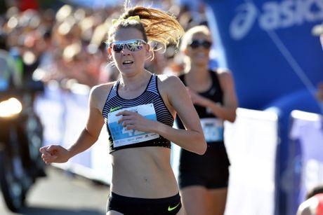 Noosa Triathlon Multiu Sport Festival. Bolt race winner for women's, Linden Hall.