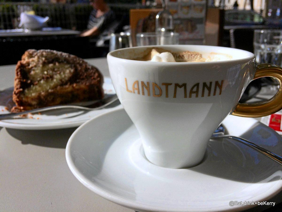 Coffee and cake is a Viennese tradition.