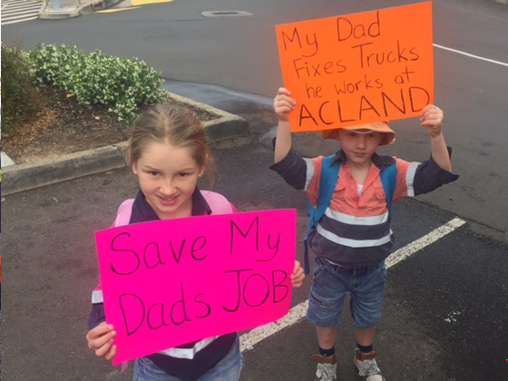The miner's children are supporting the protest. Photo 7 News Toowooba