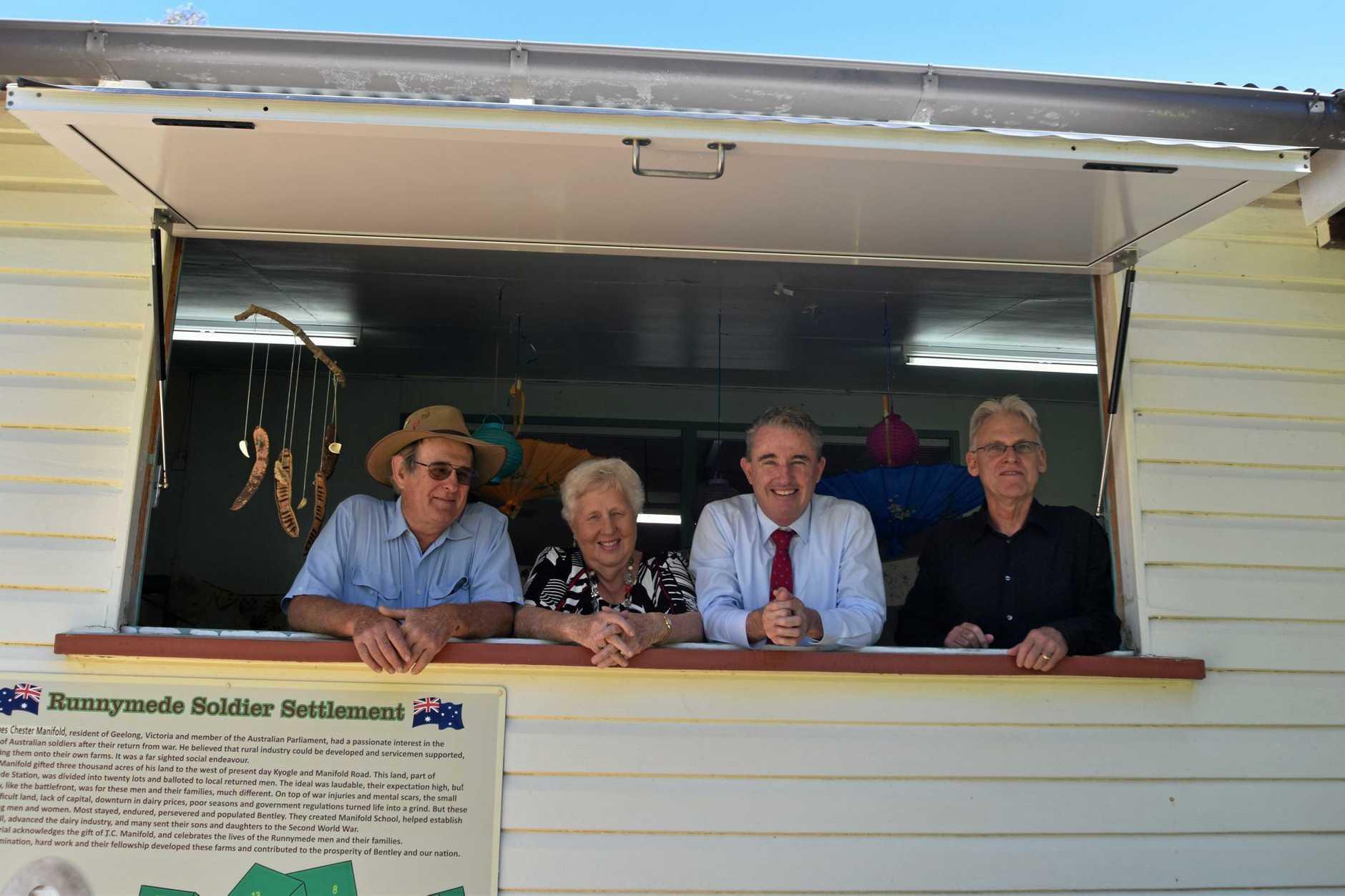 Gordon Serone, President, Bentley Hall committee, Helen Trustum, Bentley Art Prize coordinator, Nationals Page MP Kevin Hogan and Ted Hoddinott, Secretary.