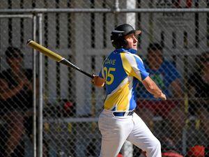 Schooners remain unbeaten in men's softball