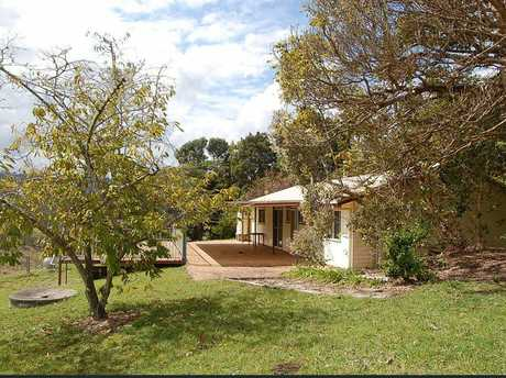 FOR SALE: 24 Oakey Creek Road Georgica