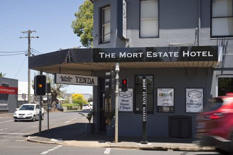 Owners of The Mort Estate Hotel have announced the venue will close this weekend.
