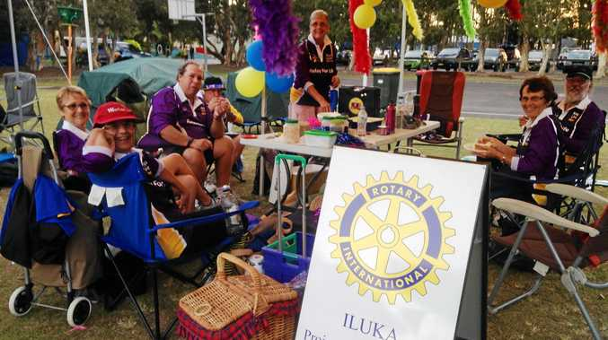 FORE: The Iluka Woombah Rotary Relay for Life team.