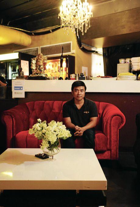 Director at Saigon Saigon, Tia Lam has had to relocate his restaurant to make room for the river bank redevelopment.  Photo Allan Reinikka / The Morning Bulletin