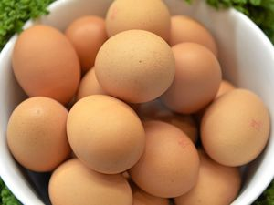 LISTEN: Six tips to avoid getting sick eating raw eggs