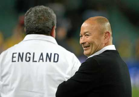 Eddie Jones has extended his contract with England.