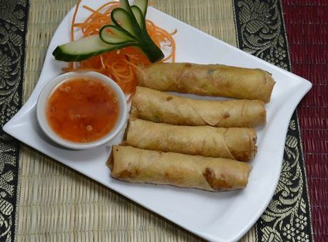 Thai on High Street has great food and service, according to reviews.