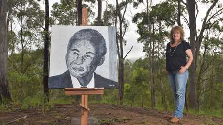 Meloney Steyl, with her portrait of Nelson Mandela.