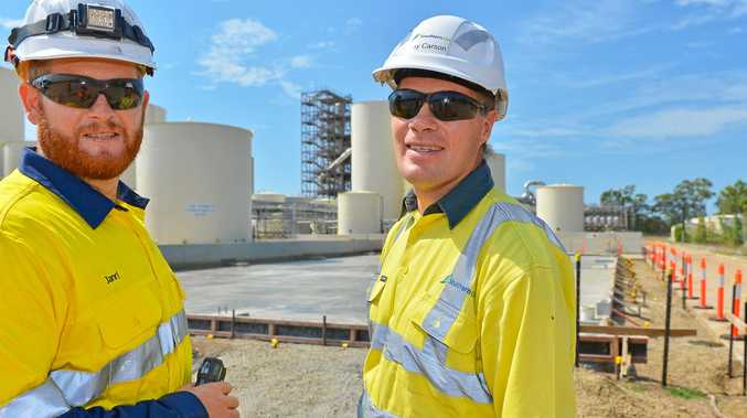 Northern Oil Refinery process engineer Janri Potgieter and general manager Ray Carson.